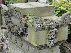 Glasgow Necropolis - detail