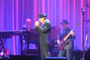 Leonard Cohen with Roscoe Beck and Neil Larsen