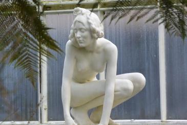 Kibble Palace statue