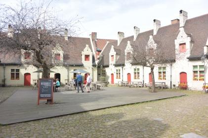 Alyn Hospice / Folklore Museum
