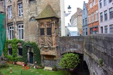 Oriel window at Vlamingbrug