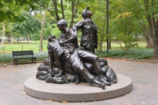 Women in Vietnam Memorial