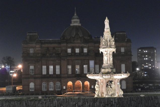 People's Palace and Doulton Fountain