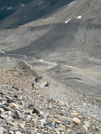 Plain of the Six Glaciers trail