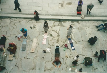 Prostrating pilgrims at the Jokhang