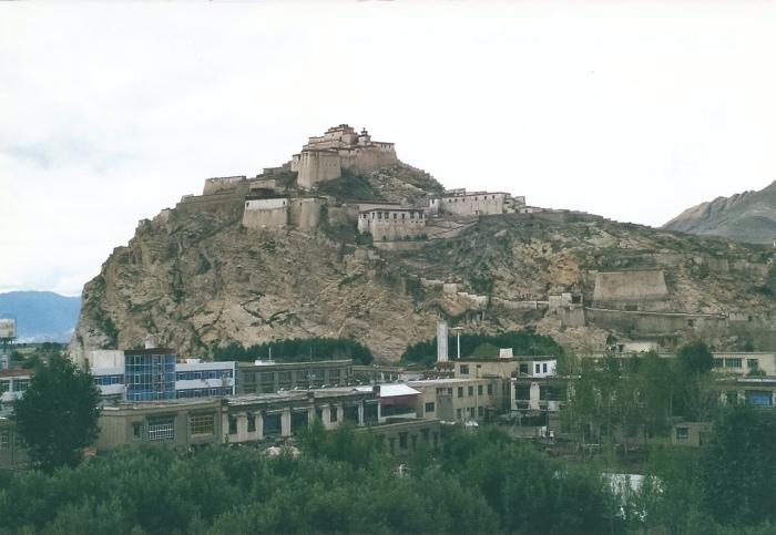 Gyantse Dong