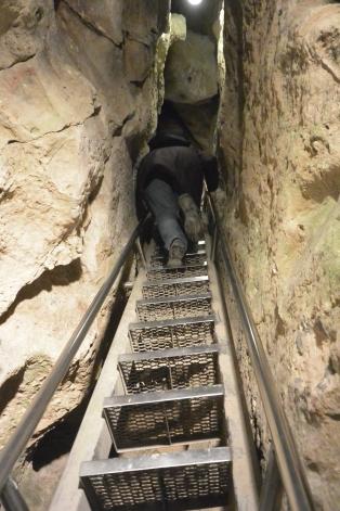 Pál-völgyi Cave
