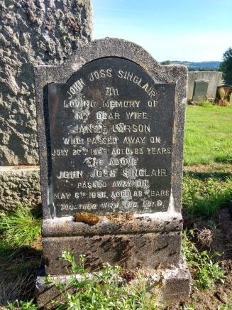 Grave of John Joss Sinclair and Janet Carson