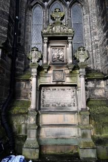 Memorial to Thomas Hutchison
