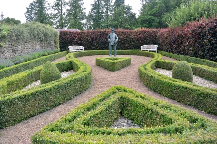 Admiral Ramsay statue, Bughtrig Garden