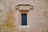 Window and heads