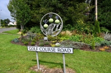 Golf Course Road sculpture